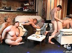 BBW masturbate her seductive body