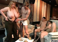 Buxom blondie Marilyn Monroe rides a fat cock deep