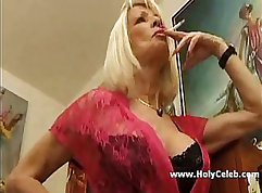 Busty mature momleen gives sloppy BJ