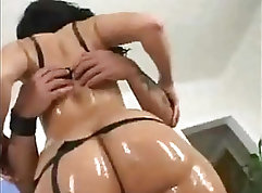 Bubble butt latina with killer body gets anal