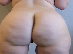 Big booty rut toying and slamming balls deep