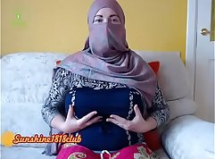 Arabian lovely girl with fishnet pantyhose and hijab livecam