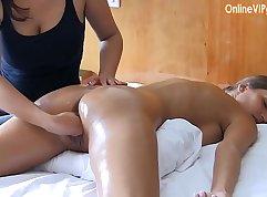 Brunette PORNODOR BAGBIT ASS FISTING!