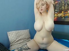 Chubby Babe With Big Natural Boobs Wants To Slide Incredible Blk
