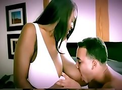 Curvy mom and Black dude play with pussies