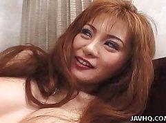Asian whore gives amazing blowjob & facial