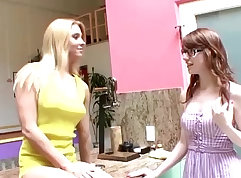 Teen Step Sister Jade Fingered Masturbates Better then Just Deepthroat